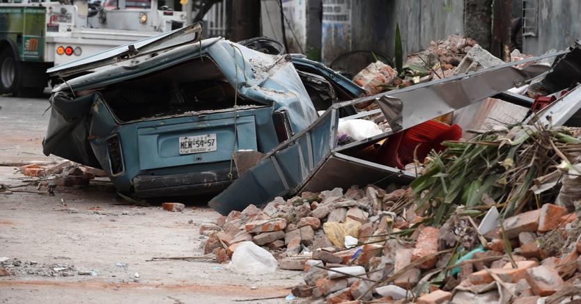 I danni del terremoto nelle zone irnetali di Città del Messico (Afp)