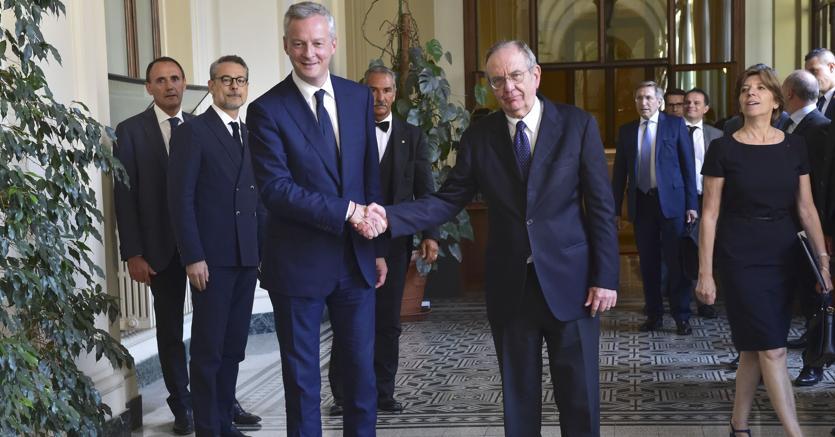 Bruno Le Maire e Pier Carlo Padoan (Imagoeconomica)