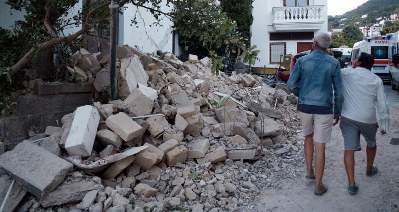 I crolli per il sisma a Ischia