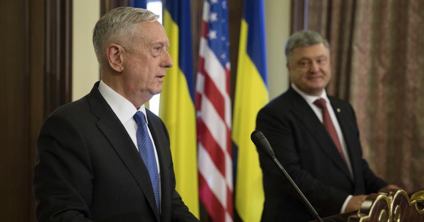Usa: a Washington raduni pro Trump e anti Putin