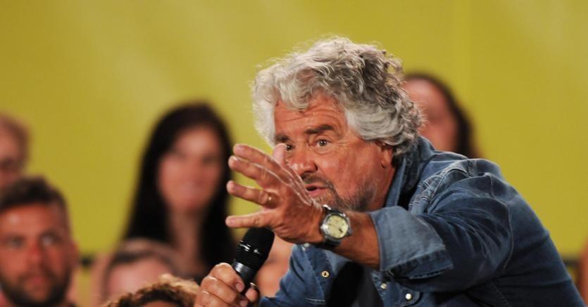 M5S, passo indietro di Grillo: il candidato premier sarà anche capo politico