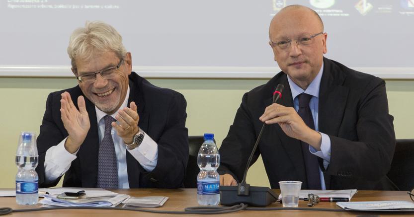 Il presidente di  Confindustria, Vincenzo Boccia (a destra)  con il ministro della Coesione, Claudio  De Vincenti (Passione Foto)