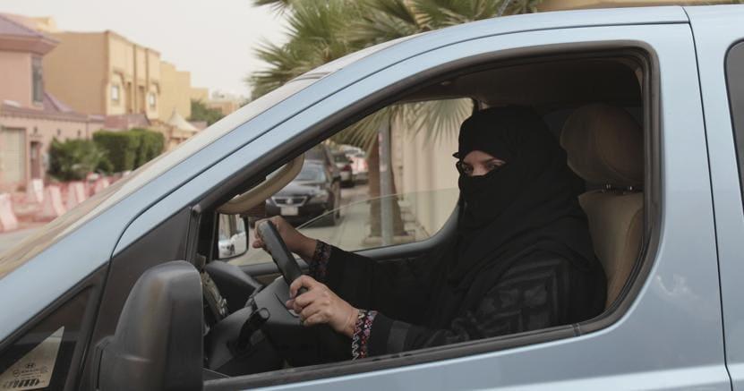 Svolta in Arabia Saudita: patente ok anche per le donne