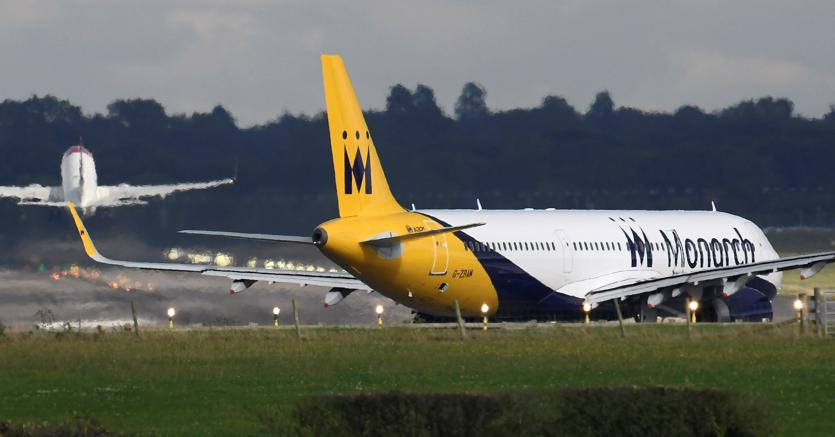 Monarch Airlines porta i libri in Tribunale
