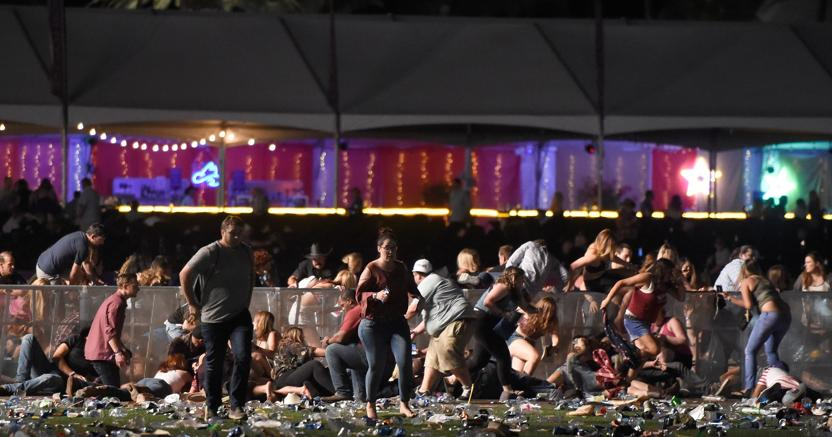 Las Vegas, strage al concerto country: 58 morti dimensione font +