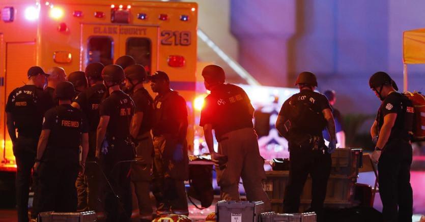 I soccorsi dopo la sparatoria a Las Vegas (Ap)