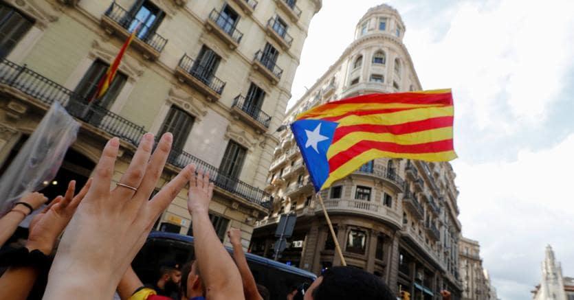 Ormai la Catalogna è in stallo, solo Rajoy ha un'uscita (dolorosa)