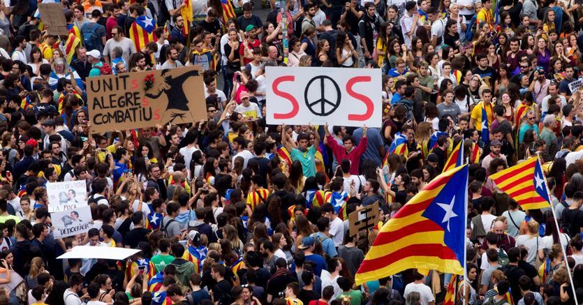 Catalogna, sciopero generale: mezzi pubblici fermi e scuole chiuse