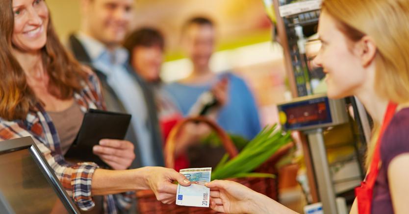 Inflazione confermata in rallentamento ma è più cara la spesa delle famiglie