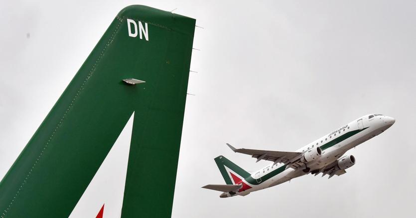 Alitalia chiede aumento Cigs a 1.800