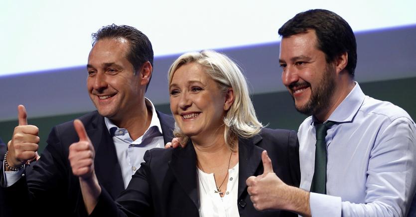 Heinz-Christian Strache (Fpö), Marine Le Pen (Front National) e Matteo Salvini (Lega Nord)