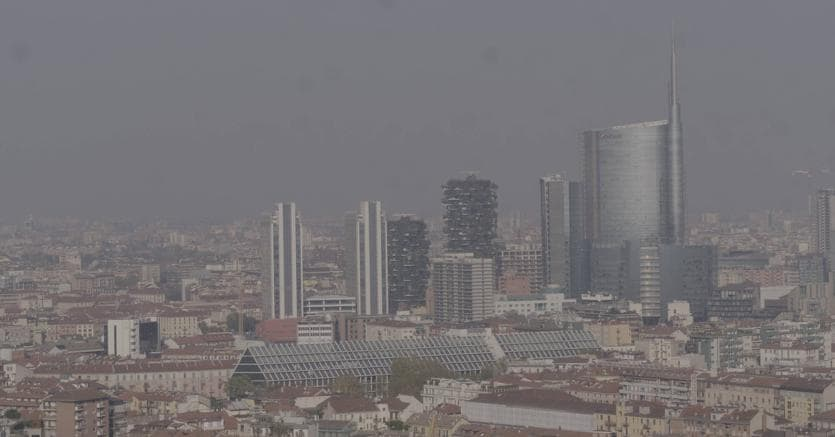 Smog: aria irrespirabile, ieri a Como polveri sottili alle stelle