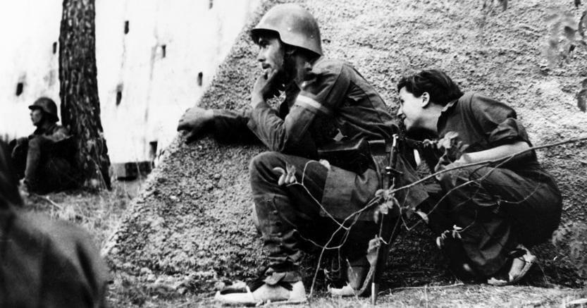 Una foto di Robert Capa, altro famoso testimone della guerra civile spagnola  (Marka)