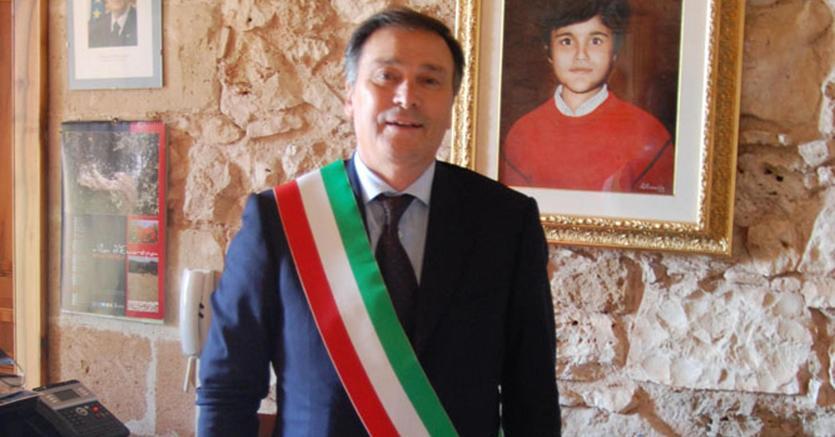 Una foto tratta dal sito ufficiale della pagina del sindaco di Villa Castelli (Ansa)