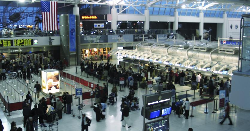 Norme di sicurezza in volo: cosa cambia per chi viaggia negli USA