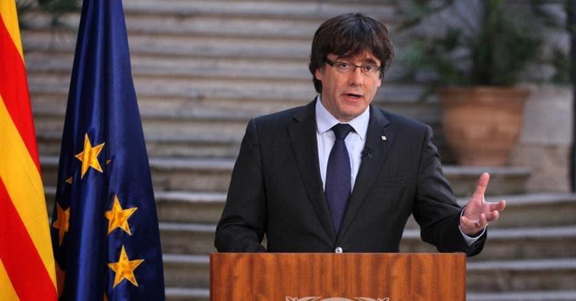Il presidente destituito della Generalitat catalana Carles Puigdemont