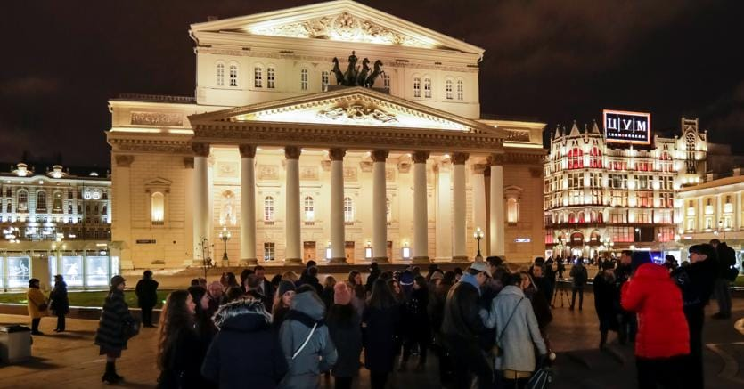 Terrorismo, allerta bomba a Mosca: sgomberato il teatro Bolshoi