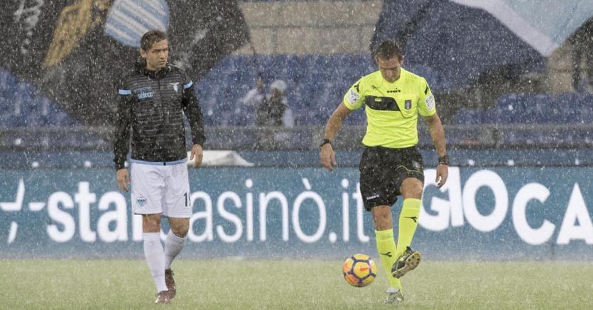 L'Olimpico sotto il nubifragio. Lazio-Udinese rinviata (Ansa)