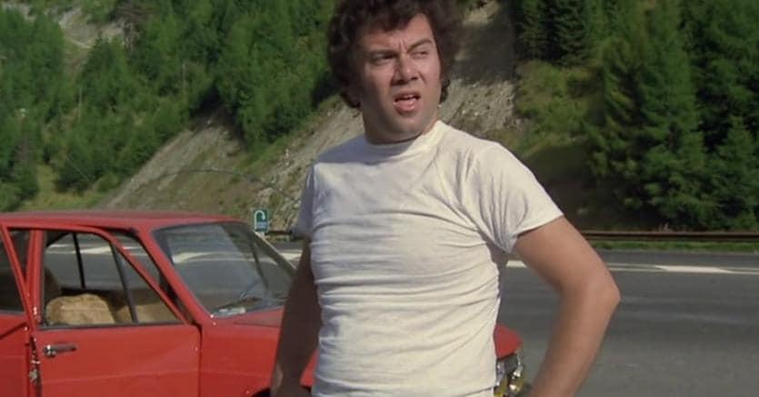 """Carlo Verdone ha problemi con l'auto in """"Bianco, rosso e Verdone"""""""