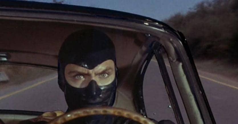 Diabolik, ladro per eccellenza (nella foto una scena del film di Mario Bava, 1968)