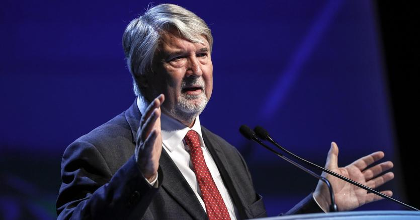 Il ministro del Lavoro Giuliano Poletti (Ansa)