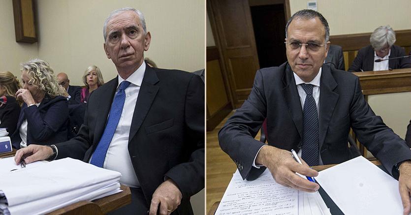Il direttore generale della Consob Angelo Apponi     e il capo del dipartimento vigilanza bancaria di Banca d'Italia  Carmelo Barbagallo (Imagoeconomica)