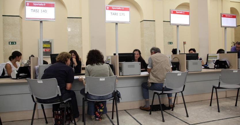 http://i2.res.24o.it/images2010/Editrice/ILSOLE24ORE/ILSOLE24ORE/2017/11/15/Primo%20Piano/ImmaginiWeb/Ritagli/ufficio-pubblico-PA-FOTOGRAMMA-ke8H--835x437@IlSole24Ore-Web.jpg