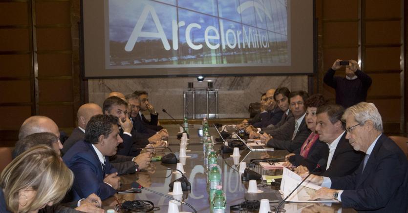 Il tavolo congiunto sull'Ilva presso il Ministero dello Sviluppo Economico. Roma, 16 novembre 2017. ANSA/CLAUDIO PERI