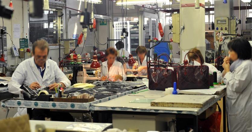 Banchi Da Lavoro Per Pelletteria : Pelletteria meccanica biomedicale i distretti industriali