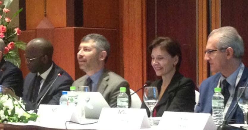 Il simposio di apertura ad Hanoi della missione di sistema, con il Sottosegretario allo Sviluppo Economico Ivan Scalfarotto e l'ambasciatrice Cecilia Piccioni