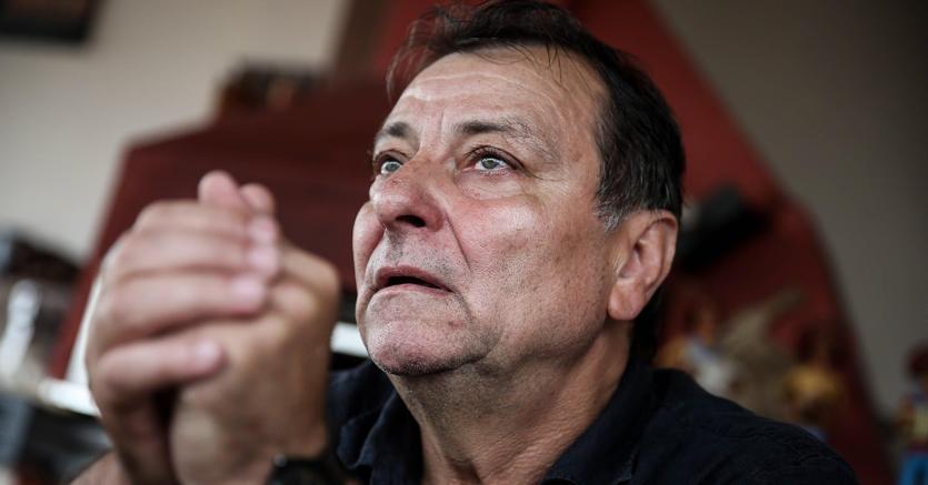 Cesare Battisti, il Brasile gli impone il braccialetto elettronico