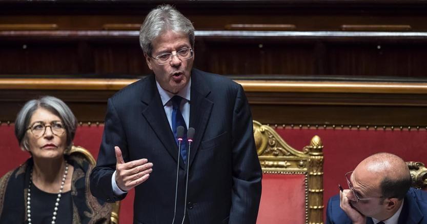 Il presidente del Consiglio Paolo Gentiloni in aula al Senato durante le comunicazioni in vista del Consiglio Europeo del 14 e 15 dicembre