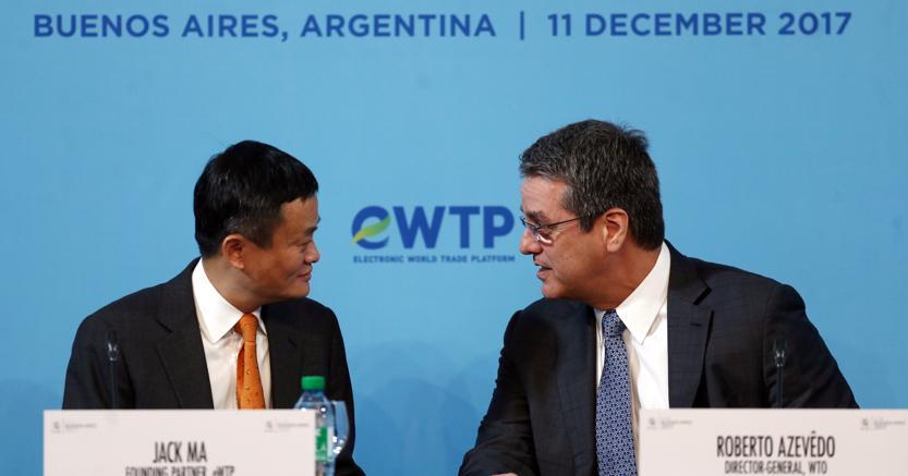 Jack Ma, fondatore di Alibaba (a sinistra) con il direttore generale della Wto, Roberto Azevedo