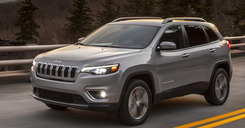 Lamezia, incidente stradale tra auto della Finanza e una Jeep: 4 feriti