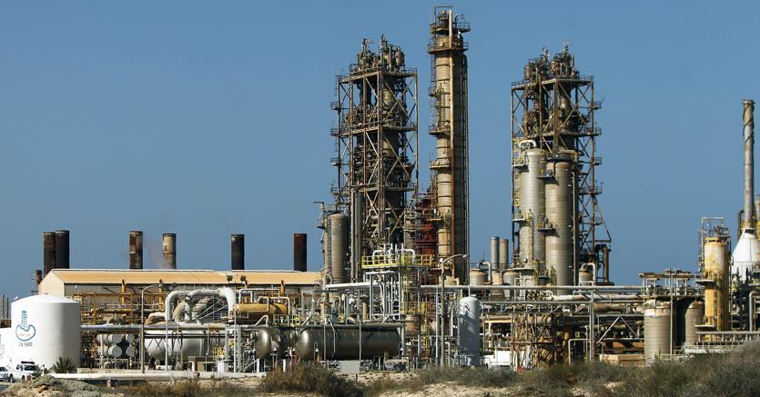 Libia, esplode oleodotto.