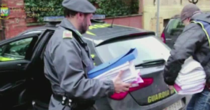 Arrestati dalla Guardia di finanza  4 imprenditori romani per fatture false e riciclaggio
