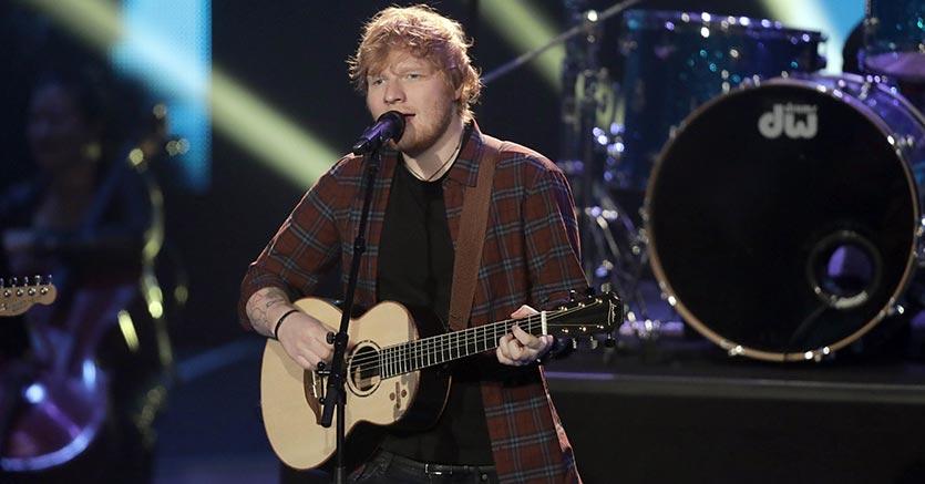 'Divide' di Ed Sheeran è l'album più venduto del 2017 in Italia