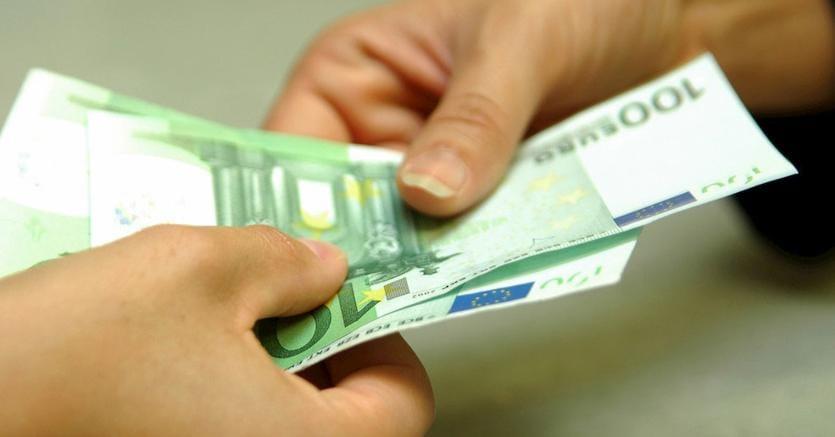 Finanziaria, divieto di pagamento in contante delle retribuzioni