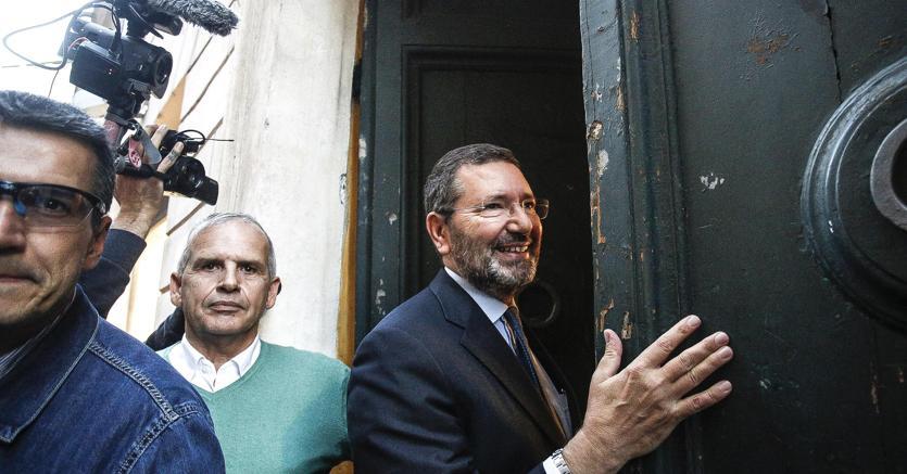 L'ex sindaco di Roma Ignazio Marino è stato condannato in appello a due anni per il caso scontrini (Ansa)
