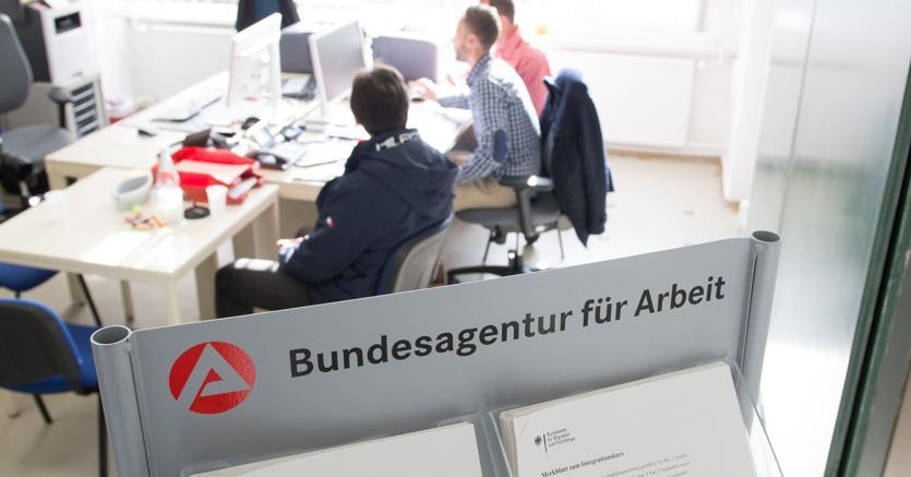 Ufficio Per Disoccupazione Milano : Lezione tedesca per gli «npl dellimpiego» il sole 24 ore