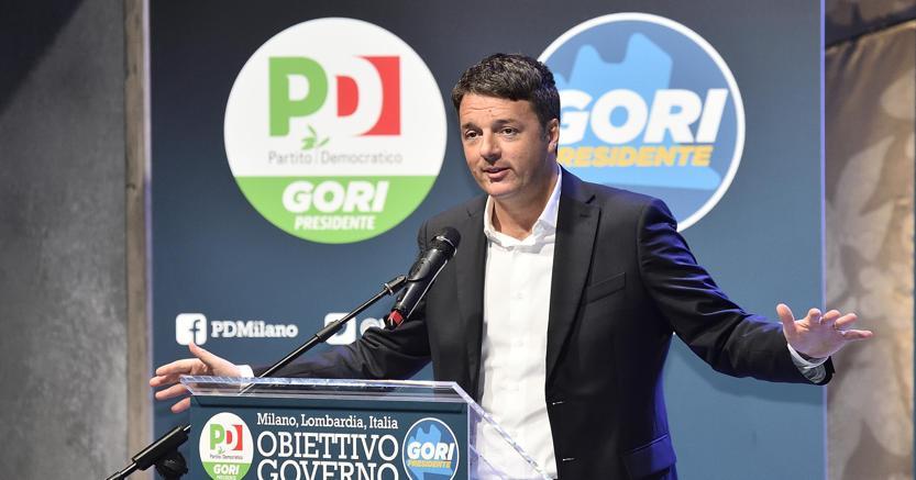 Matteo Renzi è intervenuto all'incontro  elettorale organizzato dal Pd al teatro Franco Parenti di Milano per il lancio dela candidatura di Giorgio Gori