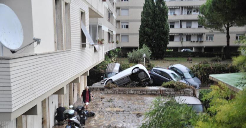 Livorno, Nogarin: sono indagato per alluvione settembre