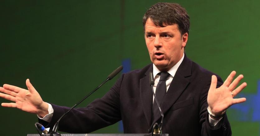 Elezioni, il fenomeno Calenda: è l'ultima speranza di Renzi