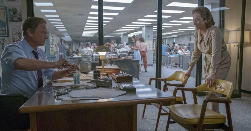 Tom Hanks nei panni del direttore Ben Bradlee e Meryl Streep  in quelli dell'editrice Katharine Graham in una scena del film «The Post». Il film in uscita al cinema il 1 febbraio è diretto da Steven Spielberg