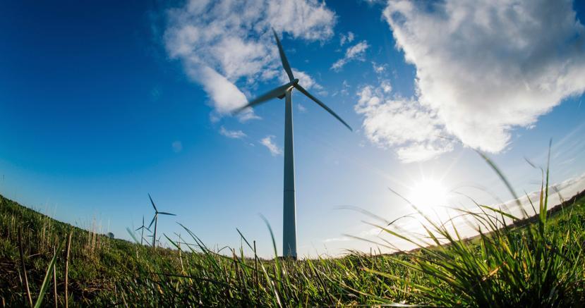 Una turbina eolica a Rugsted, in Danimarca (Afp)
