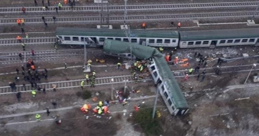 Treno deragliato: indagati i vertici Trenord e Rfi