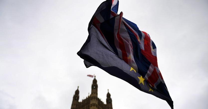 Trump 'bacchetta' May su Brexit: sarei stato più duro con la Ue