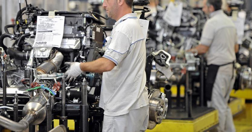 Lavoro, disoccupazione scende al 10,8% a dicembre