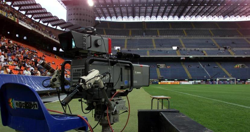 Agli spagnoli i diritti tv del calcio italiano 2018-2021. Sky furiosa