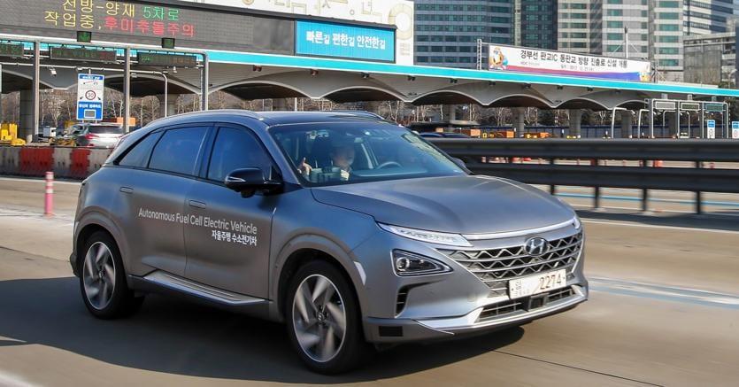 Hyundai sperimenta la guida autonoma livello 4
